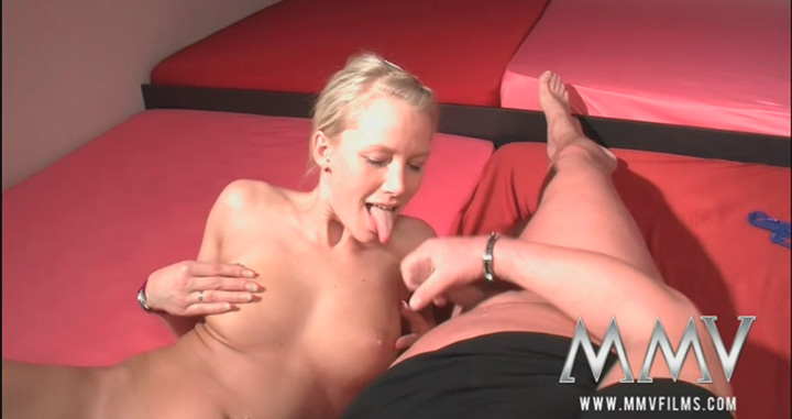 German-sexy-girl-fucks-with-dad,-xvideo