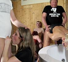 Swingers get horny